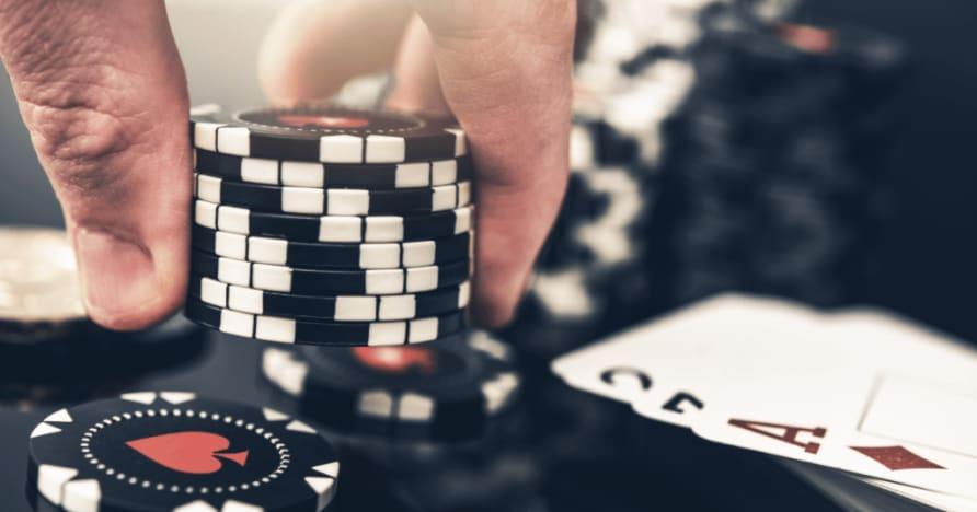 Le 5 maggiori differenze tra poker e blackjack